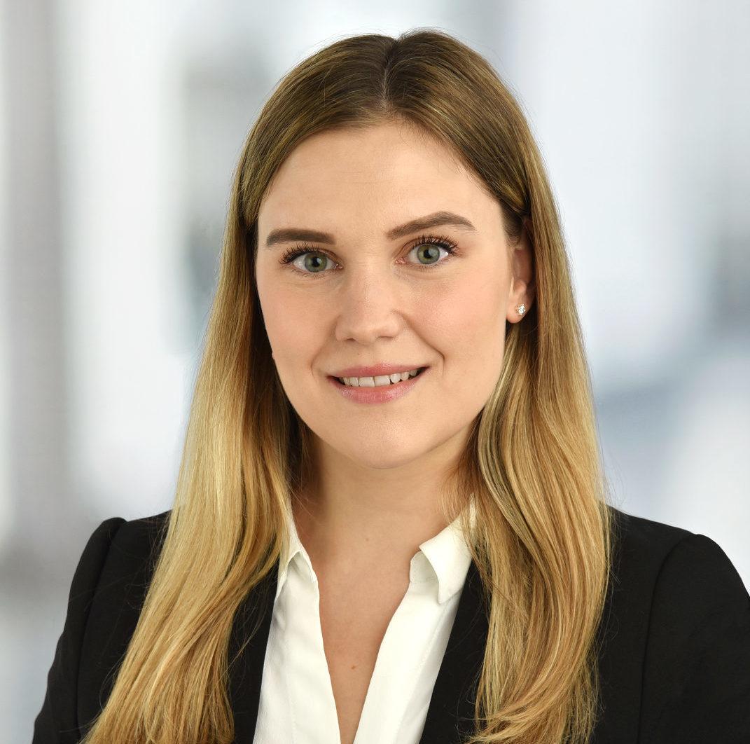Alina Schustolla